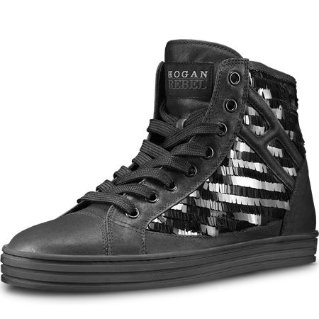 hogan rebel nere con borchie