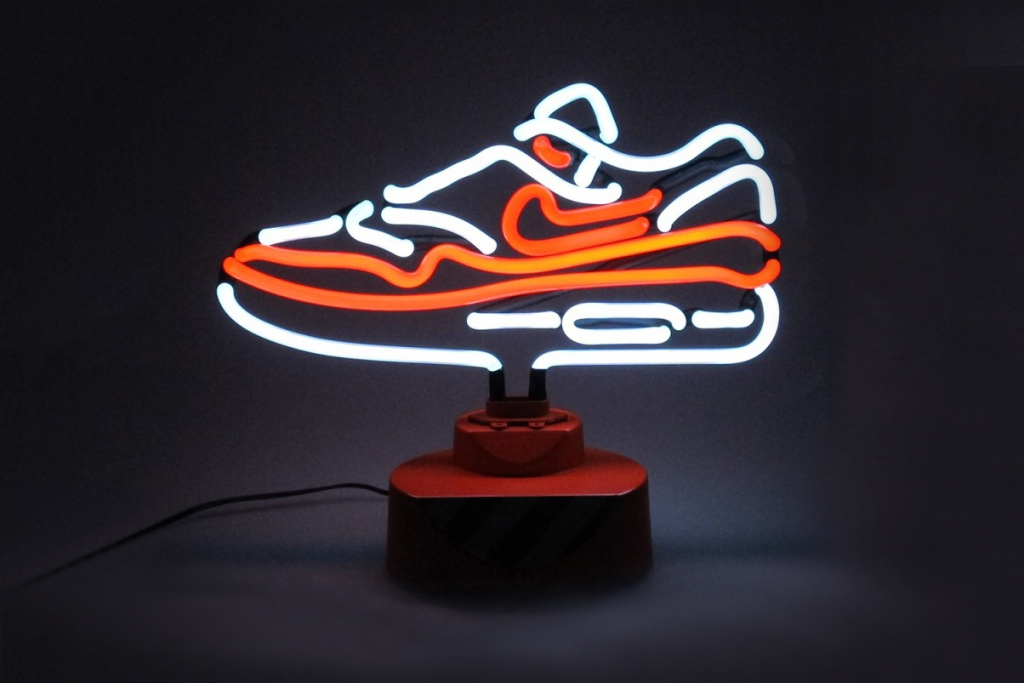 Nike Air Max 1 OG Limited Edition Tabletop Neon Lamp (1)